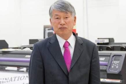 Sakae Sagane, presidente di Mimaki Europe, va in pensione