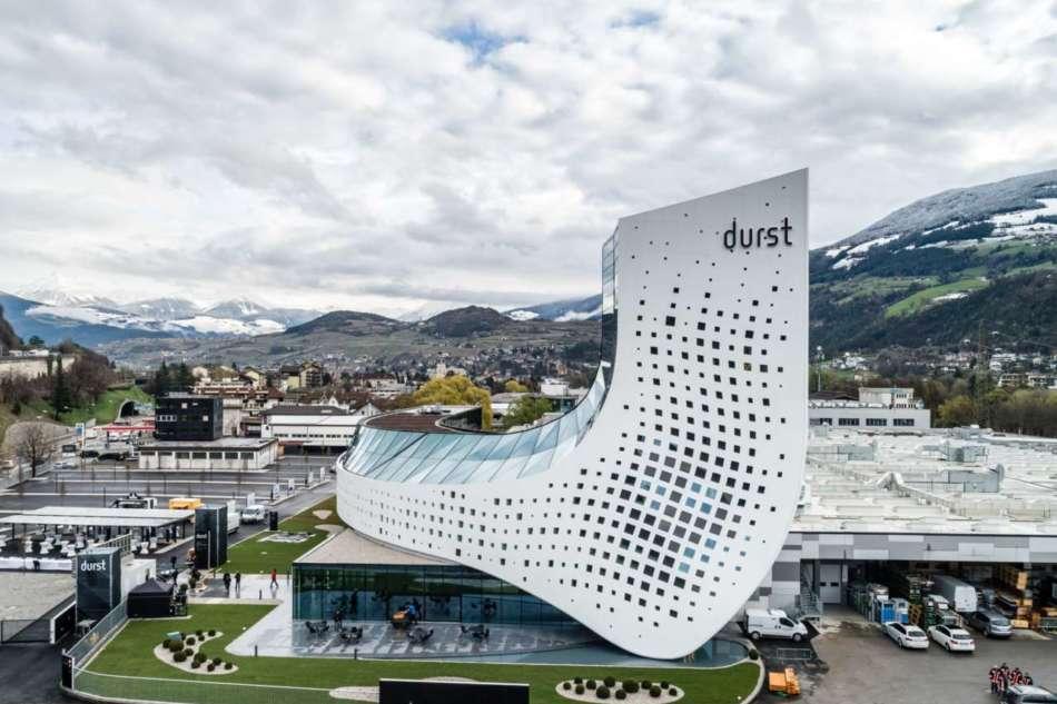 Inaugurato il futuristico headquarter Durst